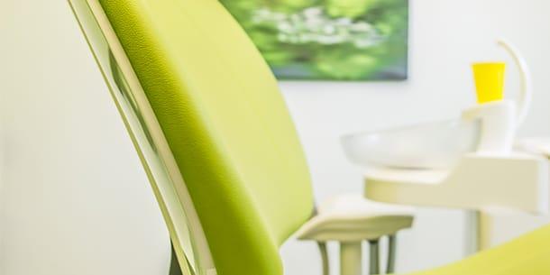Behandlungsstuhl im Zahnärztezentrum Wiesmoor