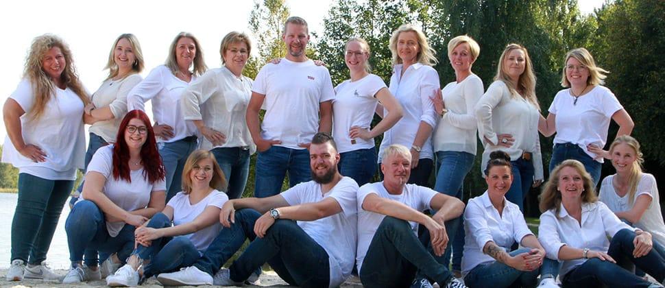 Teamfoto vom Zahnärztezentrum Wiesmoor